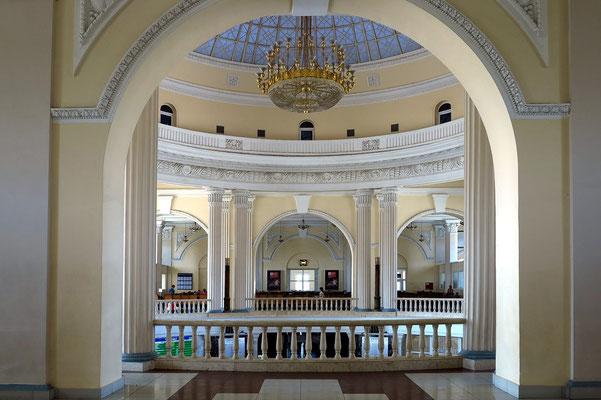 Klassizistischer Stil im Bahnhofsgebäude Odessa