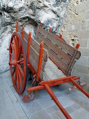 Typischer zweirädriger Karren in Matera, der bis in die 70er Jahre des 20. Jahrhunderts benutzt wurde