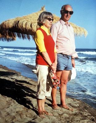 Charlotte Dirksen und Zahnarzt Dr. Helmut Dirksen, Almuts Eltern, 1971 in Marbesa/Spanien
