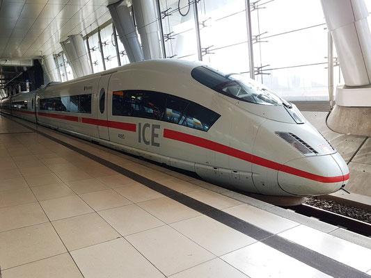 Ankunft am 3.9. mit dem ICE 13 um 11:16 von Aachen Hbf direkt nach Frankfurt Flughafen Fernbahnhof
