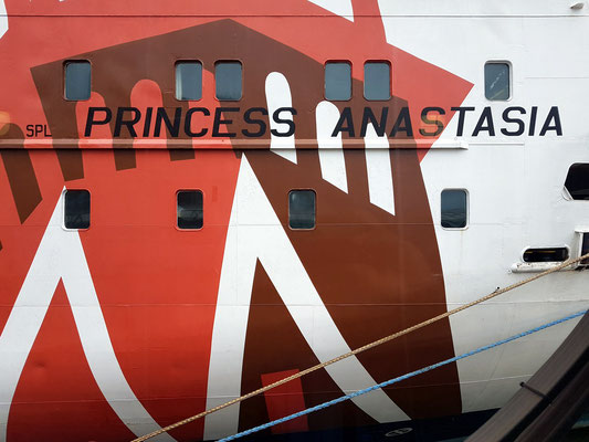 "Bemalung der ""Princess Anastasia"""