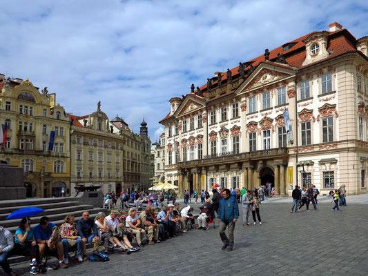 Altstädter Marktplatz mit dem Palais Goltz-Kinsky (Nationalgalerie)