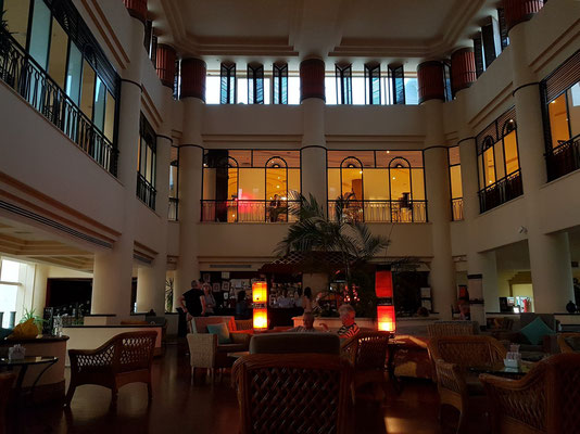 Lounge-Bar des Hilton Resorts