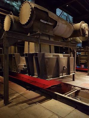 Sinteranlage. Beim Sintern wurden Rohstoffe der Eisenherstellung recycelt und dem Hochofenprozess wieder zugeführt.
