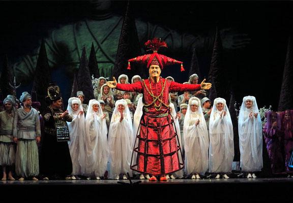 Stanislawski-Musiktheater, Aladino e la lampada magica, Applaus: der Sultan