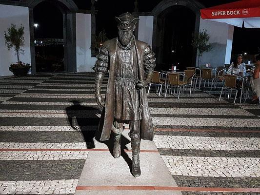 Angra do Heroísmo, Bronzestatue des Vasco Da Gama
