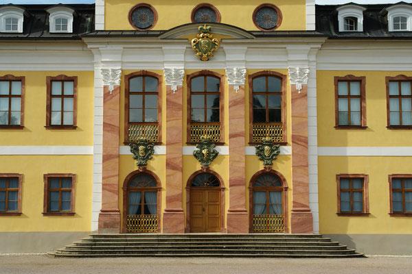 Schloss Belvedere, Eingang zum Rokoko-Museum (1.9.2006)