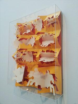 Museu Calouste Gulbenkian - Coleção Moderna; José Escada (Lisboa 1934-1980) Retrospektive. 2016. Dans la plage, Paris 1968, Plastik Relief (cellulose acetate)