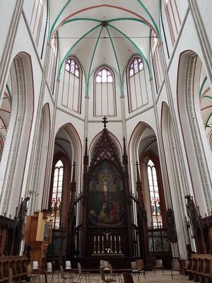 Dom. Neugotischer Kreuzigungsaltar von Gaston Lenthe