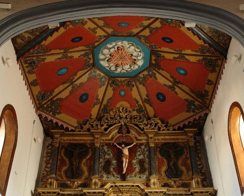 Decke über dem Altarraum der Kirche Santa María de la Concepción