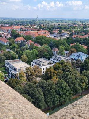 Blick von der Aussichtsplattform nach Südosten zur Prager Straße