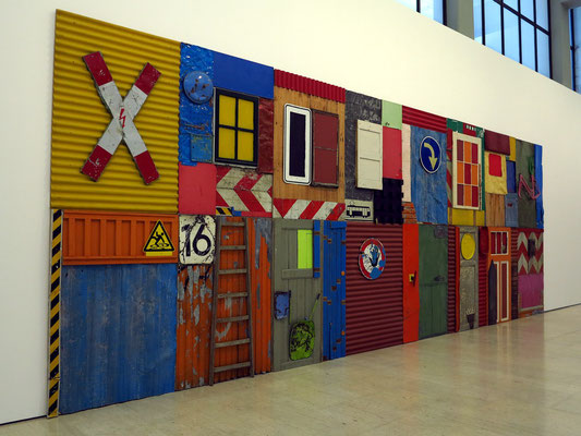 Museu Calouste Gulbenkian - Coleção Moderna; Township Wall, Düsseldorf 2004