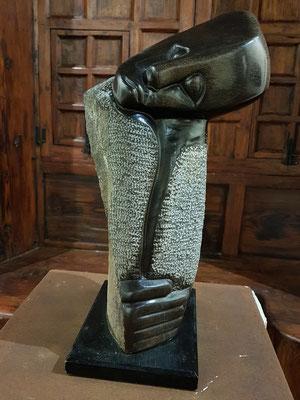 Alexander Chitungo, geb. 1969 in Zimbabwe: Sin Titulo, Stein, 2002