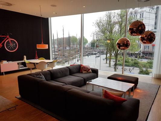 Blick aus dem Hotel zum Witte Huis und Oudehaven