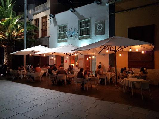 Restaurante La Buena Vida, Calle Antonio Domínguez Alfonso