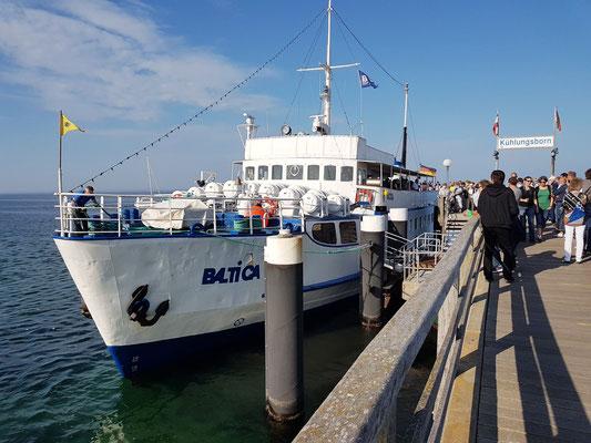 Seebrücke Kühlungsborn. Die MS Baltica fährt nach Heiligendamm, Warnemünde und Rerik.