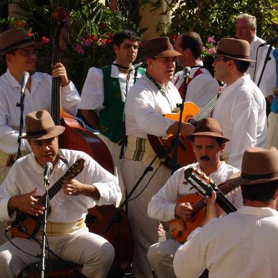 Las Palmas, Volkslieder und Volkstänze im Pueblo Canario