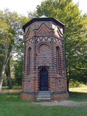 Frühgotisches Beinhaus, vor 1250 gebaut