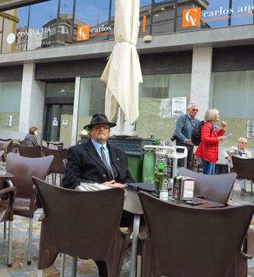 Straßencafé auf der Plaza San Sebastián
