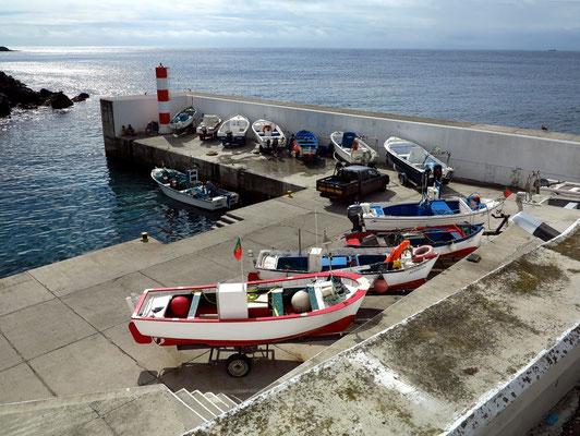 Hafen von Porto Judeu
