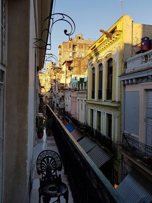 Blick vom Hotel nach W in die Calle Obispo