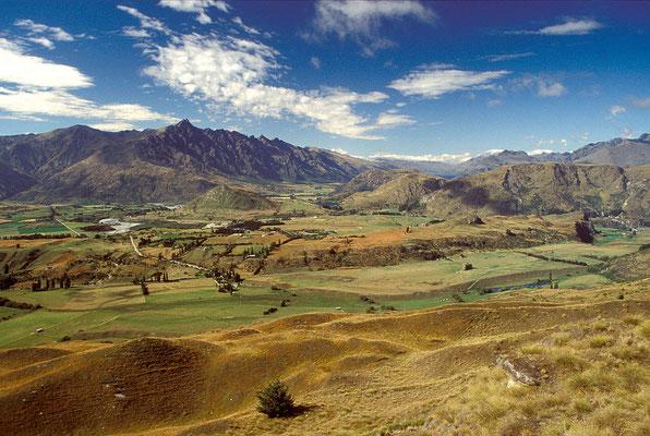 NZ Blick von Coronet Peak auf Remarkables