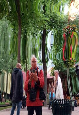Spiegelbilder im Tivoli