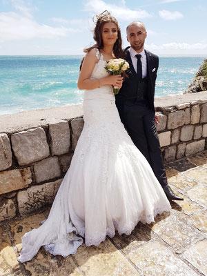 Foto-Treffpunkt für Hochzeitspaaare vor der Kirche St. Sava