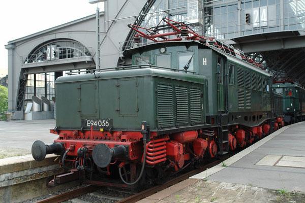 """Baureihe E 94 (Spitzname """"Deutsches Krokodil"""") sechsachsige schwere Elektrolokomotive der Deutschen Reichsbahn-Gesellschaft, die für den Güterzugdienst konzipiert war (2.9.2006)"""