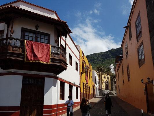 Garachico, Calle Calvo Sotelo mit Blick auf Ex-Convento de San Francisco
