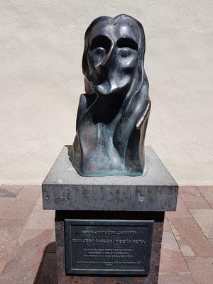 Skulptur des Christoph Kolumbus, Geschenk von König Juan Carlos und Königin Sofía anlässlich ihres Besuches am 23. November 2006 in San Sebastián
