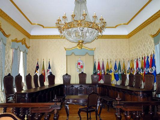 Sitzungssaal im Rathaus von Angra do Heroísmo