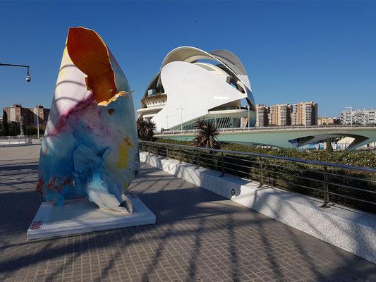 Kunstwerk in der Ciutat de les Arts i les Ciències