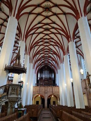 Hauptschiff der Thomaskirche