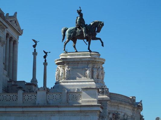 Nationalmonument Viktor Emanuele II, Reiterstandbild des Königs, ein Werk des Bildhauers Enrico Chiaradia