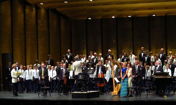 Applaus nach dem Sommernachts-Chorkonzert im Tivoli Konzertsaal am 23. 6. 2017
