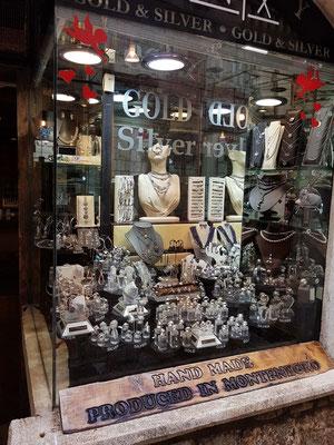 Gold- und Silberjuwelier in der Altstadt von Budva