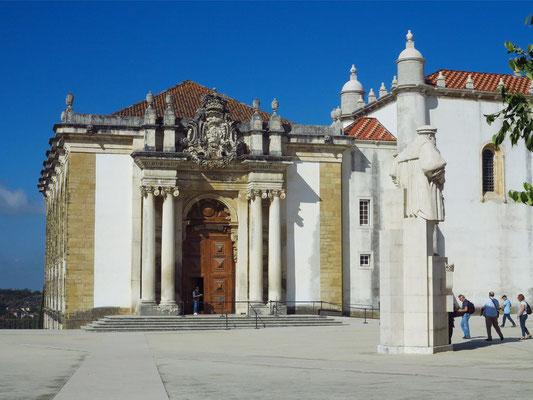 Gebäude der alten Biblioteca Joanina, 1728 fertiggestellt, eine der spektakulärsten Bibliotheken der Welt mit 300 000 Büchern