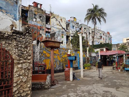 Callejón de Hamel mit Wandmalereinen