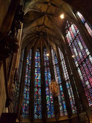 Aachener Dom, Blick in die Apsis mit der Strahlenkranzmadonna