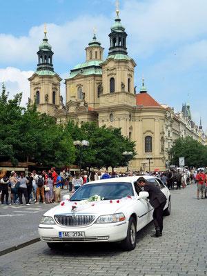 Altstädter Markt mit Blick auf die St. Nikolaus Kirche