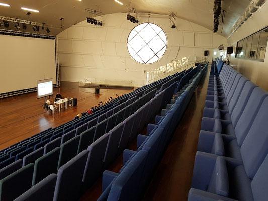 Konzerthaus Oscar Niemeyer, Auditorium für 400 Zuschauer