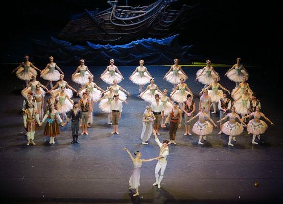 """Applaus nach der Vorstellung des Balletts """"Le Corsaire"""""""