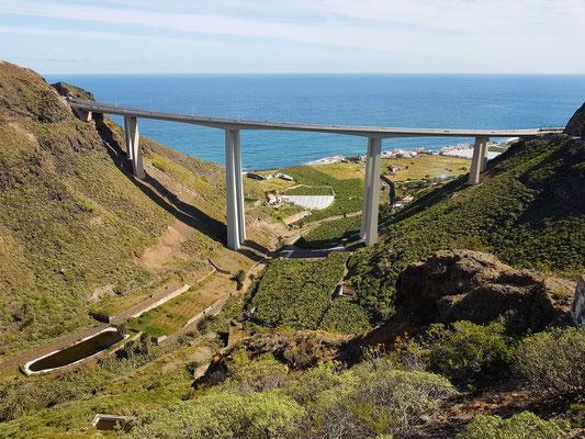 Viadukt östlich von Cenobio de Valerón. Blick von der GC-291