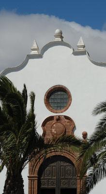 Teguise. Portal des Convento de Santo Domingo, heute Museum
