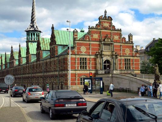 Børsen ist die ehemalige Börse in der Innenstadt von Kopenhagen, heute als Bürogebäude genutzt
