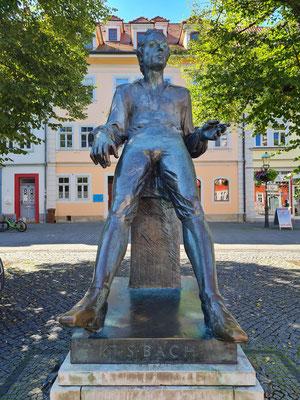 Bach-Denkmal auf dem Arnstädter Markt, errichtet 1985 zum 300-jährigen Geburtstag von Johann-Sebastian-Bach.