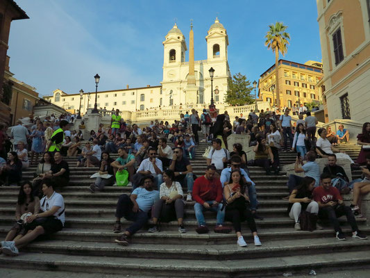 Spanische Treppe und Kirche Trinità dei Monti