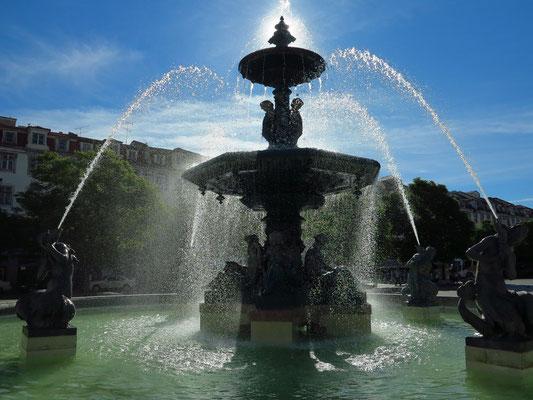 Fontäne auf der Plaza Rossio