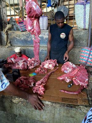 Darajani-Markt. Fleischstand